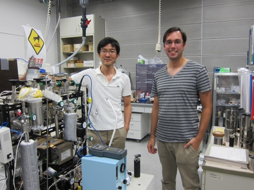 Mr. Crockford (right) with Dr. Ueno at the university's laboratory